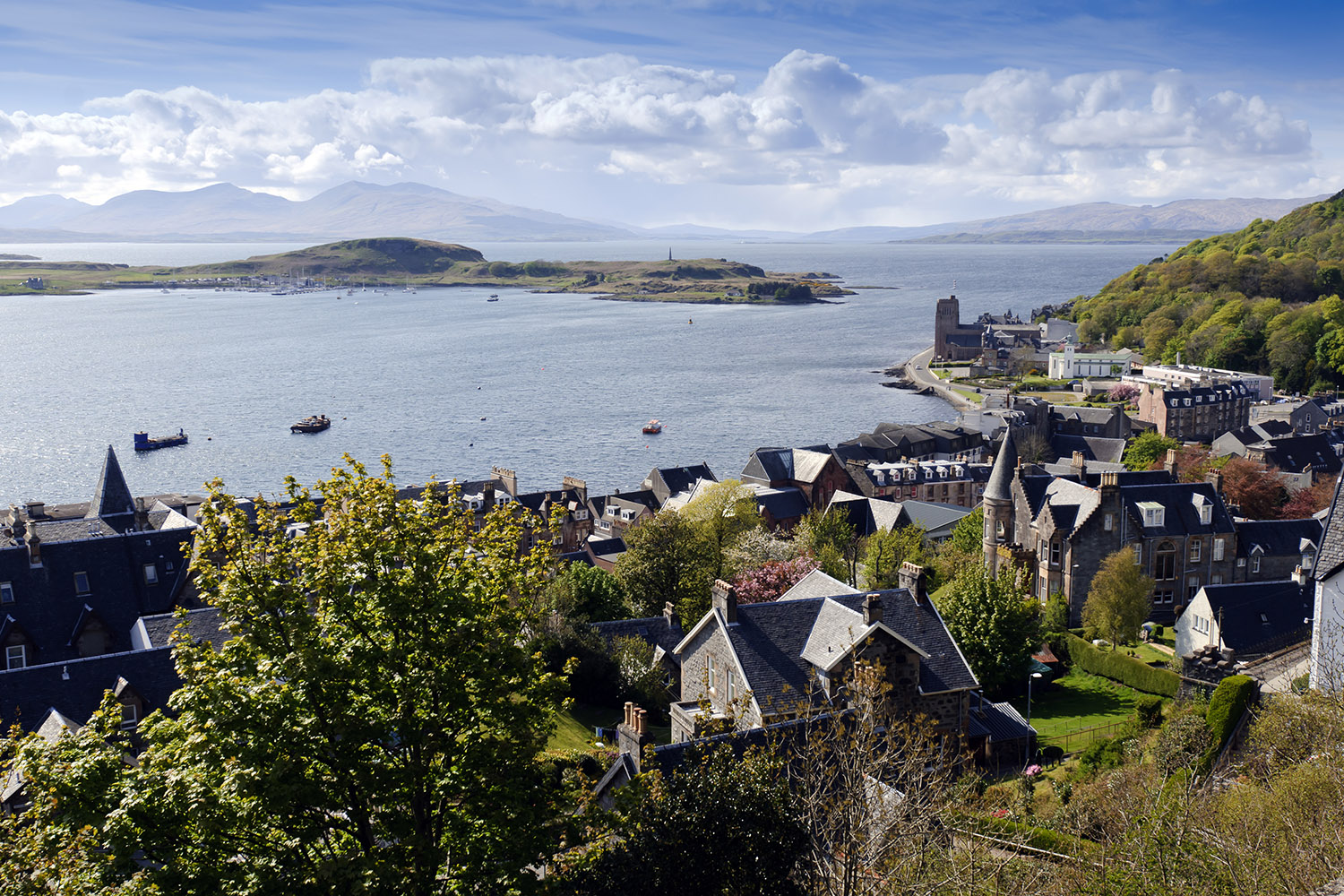 The town of Oban which can be visited on our private tours of Scotland